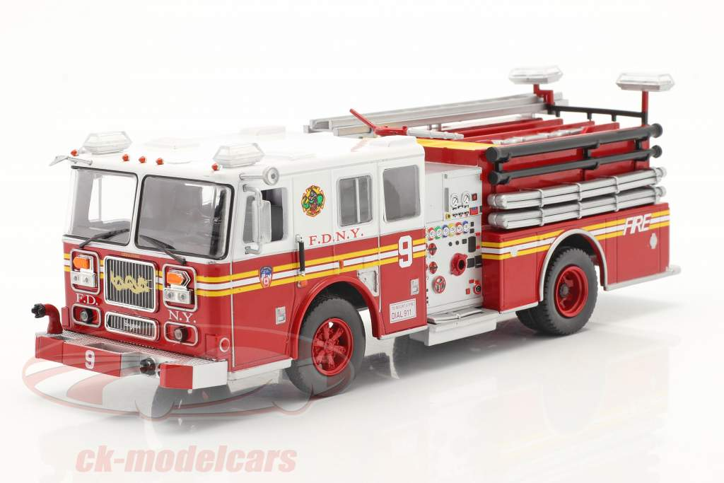 Seagrave Fire Truck fire department New York red / white 1:43 Altaya