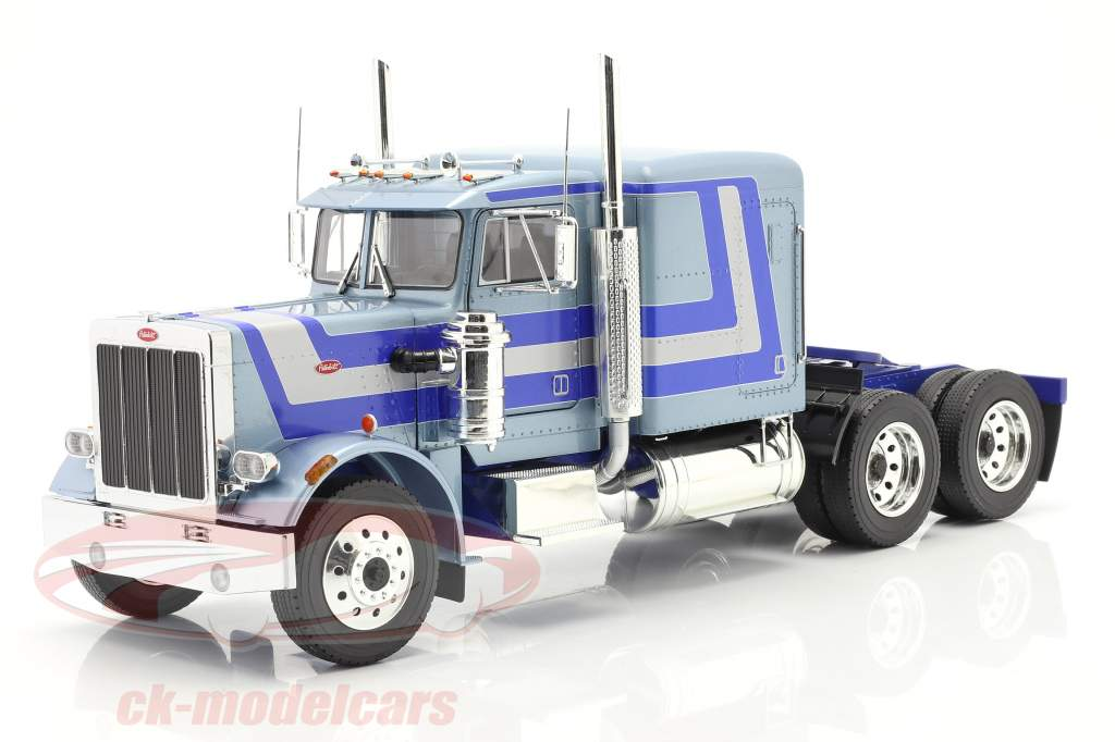 Peterbilt 359 Bull Nose Truck 1967 light blue metallic 1:18 Road Kings
