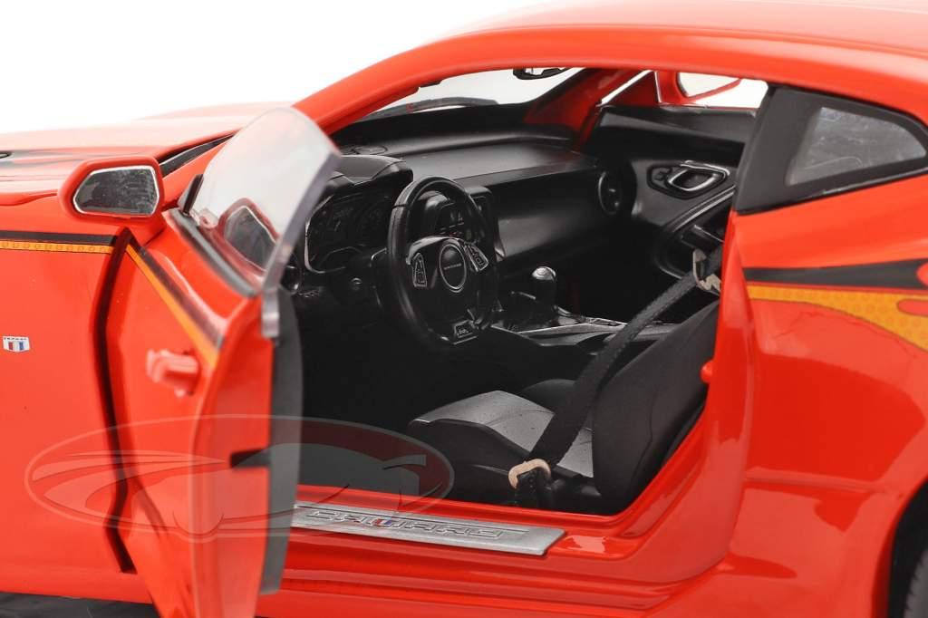 Chevrolet Nickey Super Camaro Bouwjaar 2016 hugger oranje 1:18 AutoWorld