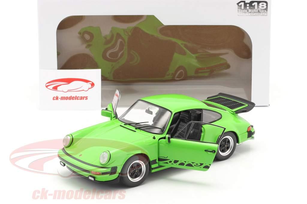 Porsche 911 (930) Carrera 3.2 Coupe year 1984 green 1:18 Solido