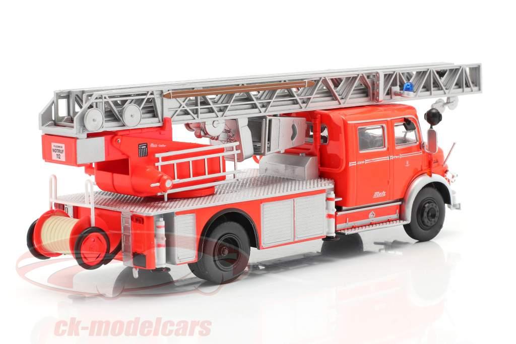 Mercedes-Benz L1519 Brandweer Met Telescopische ladder rood / zilver 1:43 Altaya