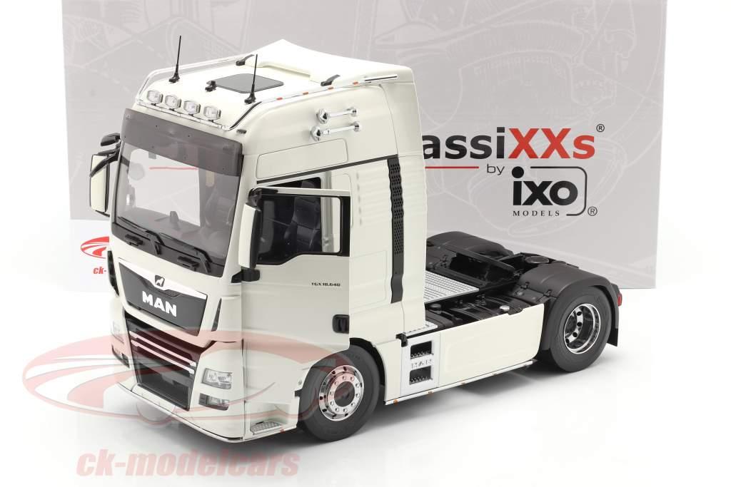 MAN TGX XXL Truck year 2018 white 1:18 Premium ClassiXXs