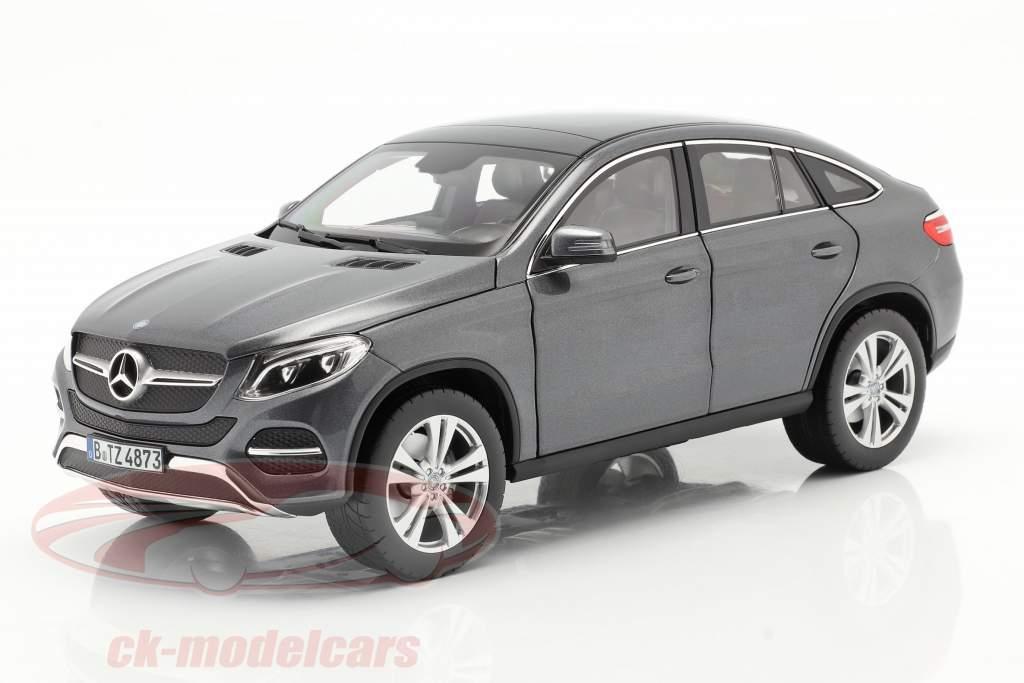 Mercedes-Benz GLE Coupe Ano de construção 2015 cinza metálico 1:18 Norev