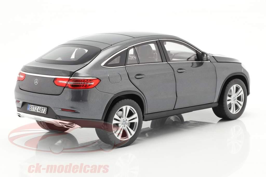 Mercedes-Benz GLE Coupe Anno di costruzione 2015 Grigio metallico 1:18 Norev