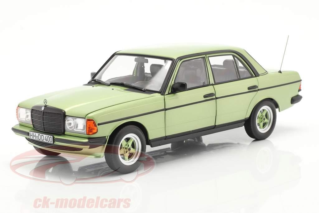 Mercedes-Benz E-Klasse 200E (W123) AMG Baujahr 1984 silbergrün 1:18 Norev