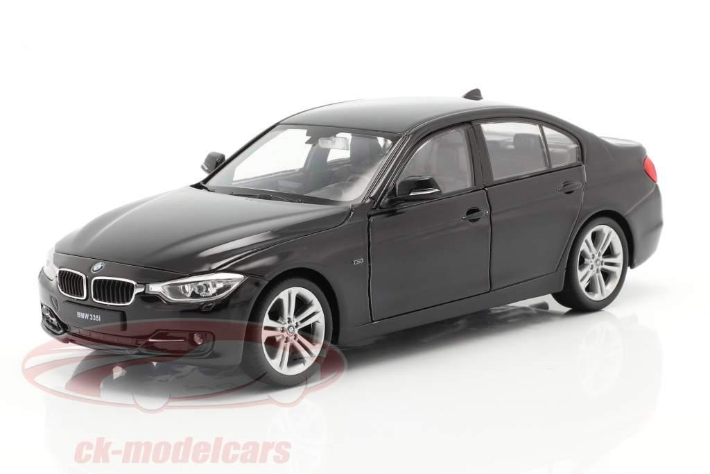 BMW 335i Byggeår 2014 sort 1:24 Welly