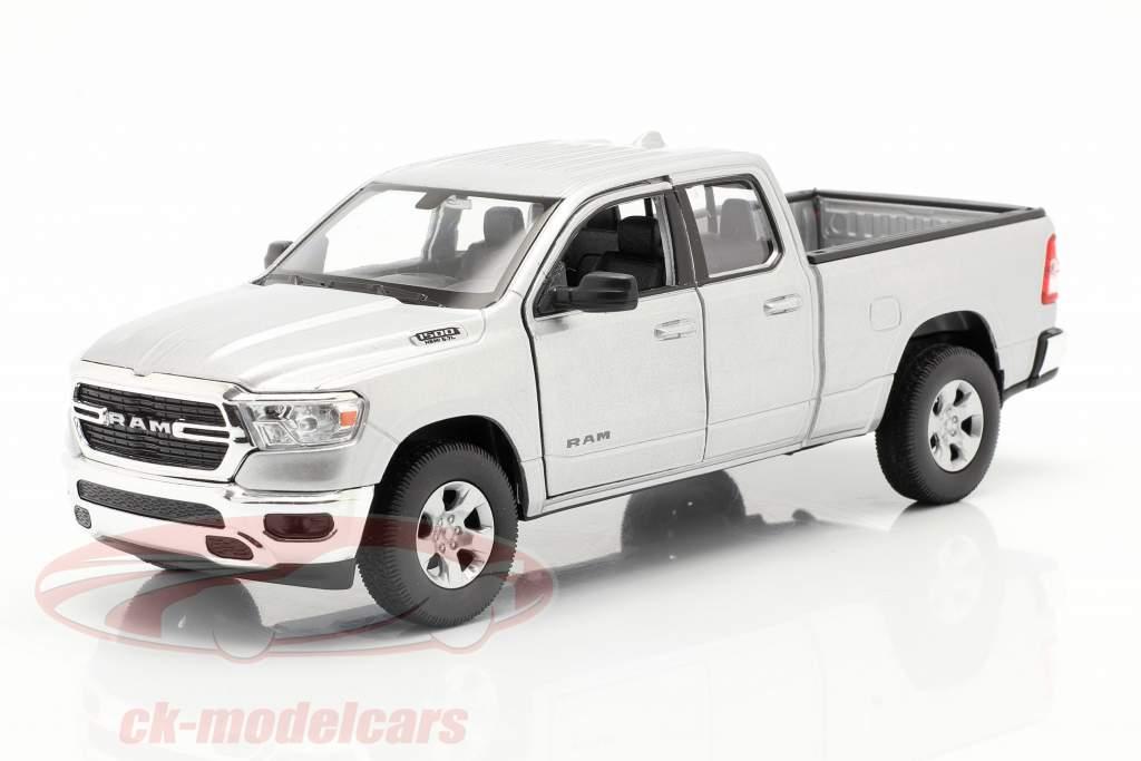 Dodge Ram 1500 year 2019 silver 1:24 Welly