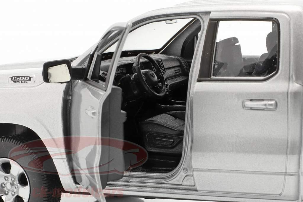 Dodge Ram 1500 Bouwjaar 2019 zilver 1:24 Welly
