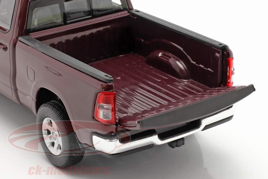 Dodge Ram 1500 Byggeår 2019 mørk rødbrun 1:24 Welly