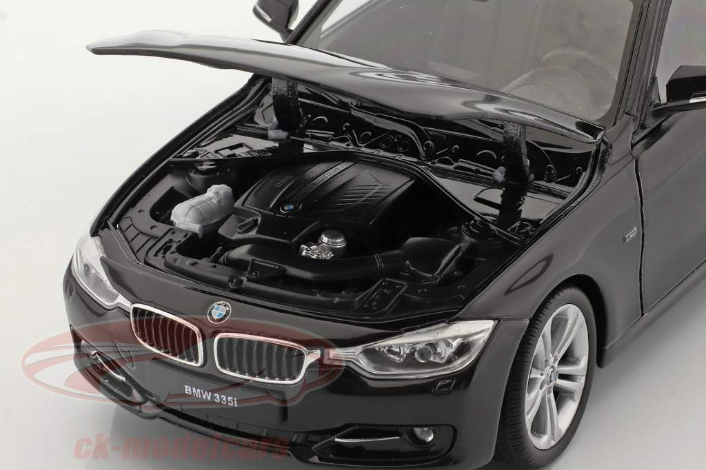 BMW 335i Bouwjaar 2014 zwart 1:24 Welly