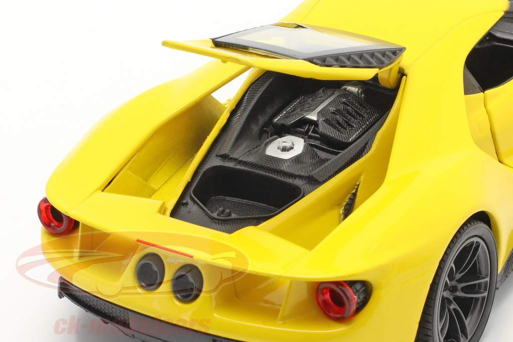 Ford GT year 2017 yellow 1:24 Welly