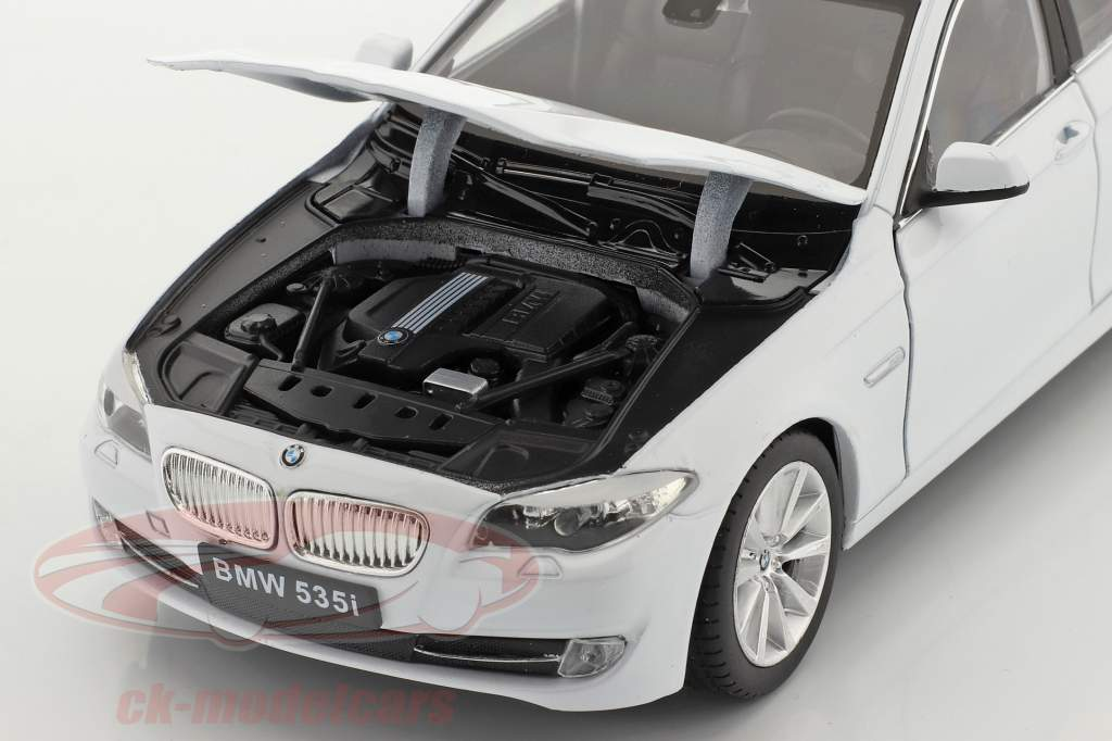 BMW 535i Bouwjaar 2010 Wit 1:24 Welly