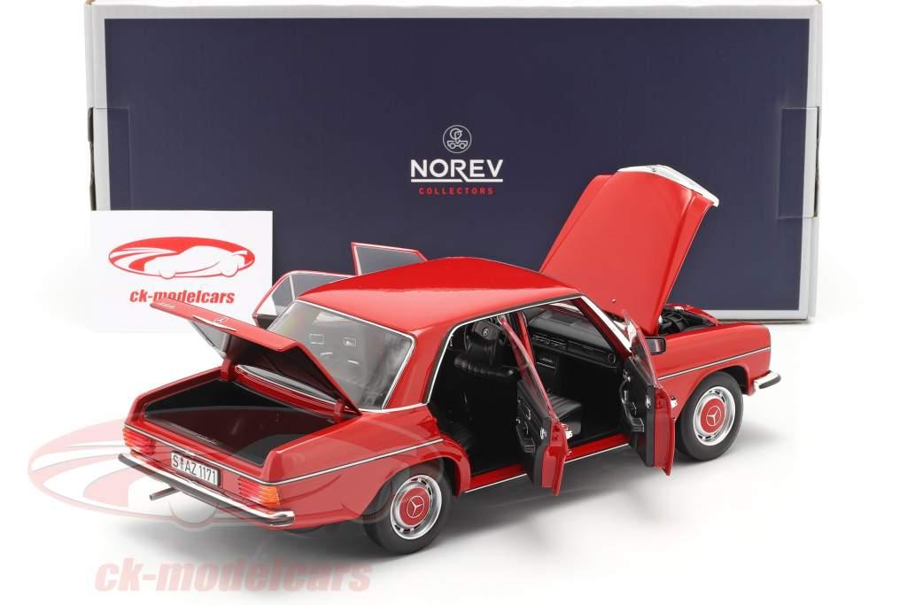Mercedes-Benz 200/8 (W115) serie 2 Año de construcción 1973 rojo 1:18 Norev