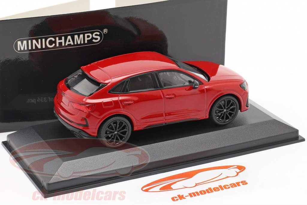 Audi RS Q3 Sportback (F3) Baujahr 2019 tango rot metallic 1:43 Minichamps