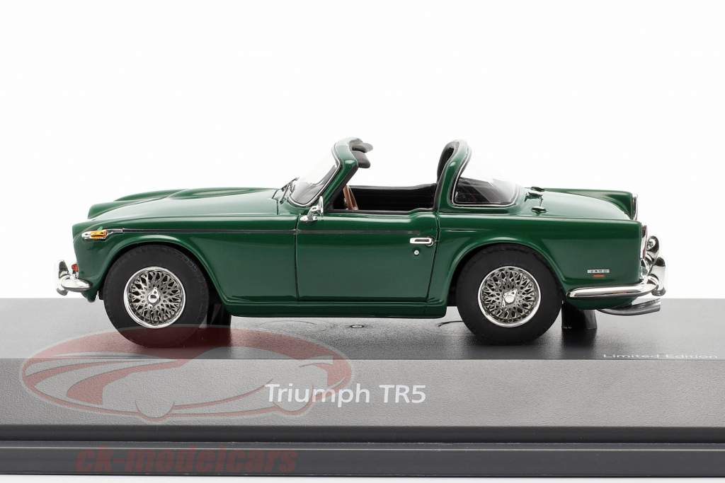 Triumph TR5 Byggeår 1967-68 british racing grøn 1:43 Schuco
