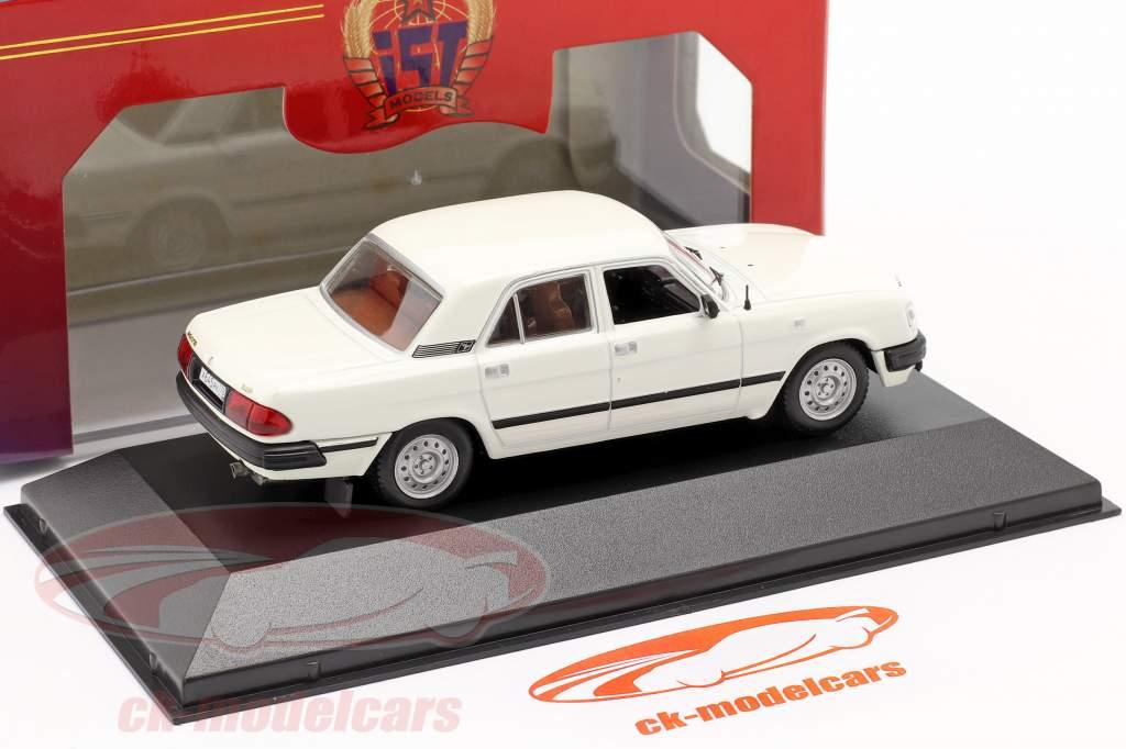 GAZ 3110 jaar 1997 wit 1:43 IST-Models