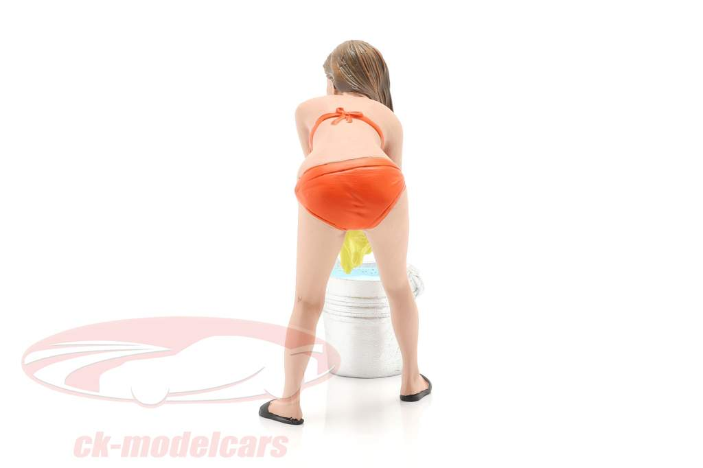 Bikini Car Wash Girl Cindy mit Eimer Figur 1:18 American Diorama