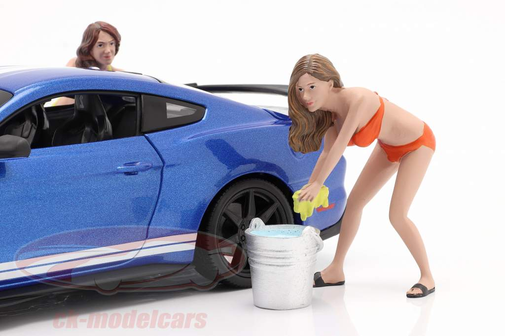 Bikini Car Wash Girl Cindy Avec baquet chiffre 1:18 American Diorama