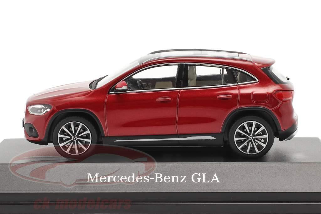 Mercedes-Benz GLA (H247) Année de construction 2020 designo patagonie rouge bright 1:43 Spark