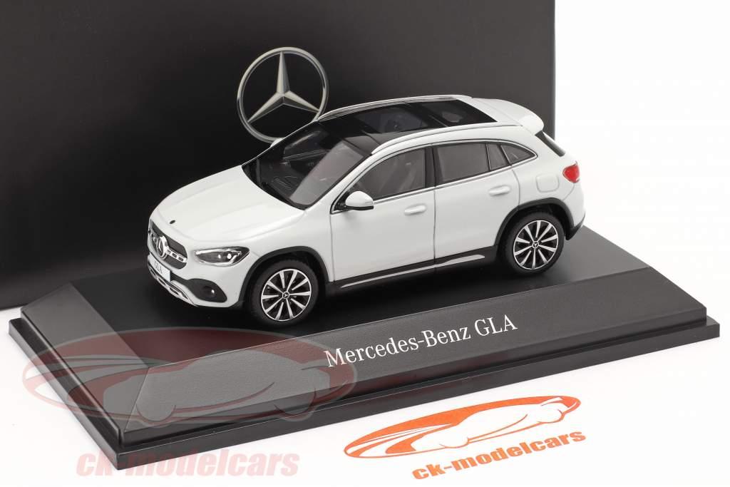 Mercedes-Benz GLA (H247) Année de construction 2020 blanc numérique 1:43 Spark