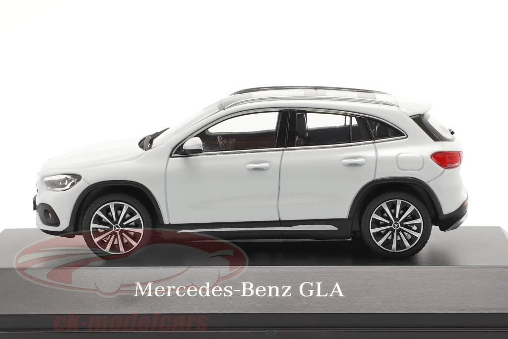 Mercedes-Benz GLA (H247) Anno di costruzione 2020 bianco digitale 1:43 Spark