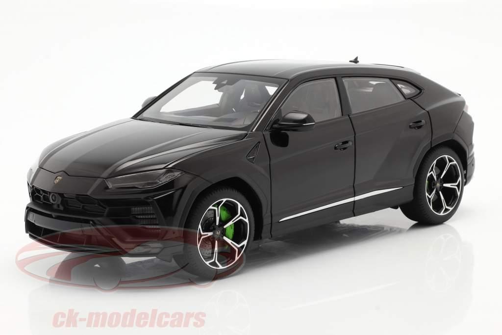 Lamborghini Urus year 2018 black 1:18 AUTOart