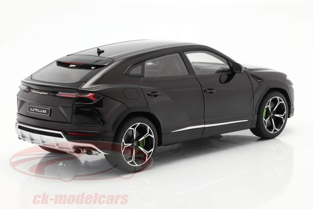 Lamborghini Urus Baujahr 2018 schwarz 1:18 AUTOart