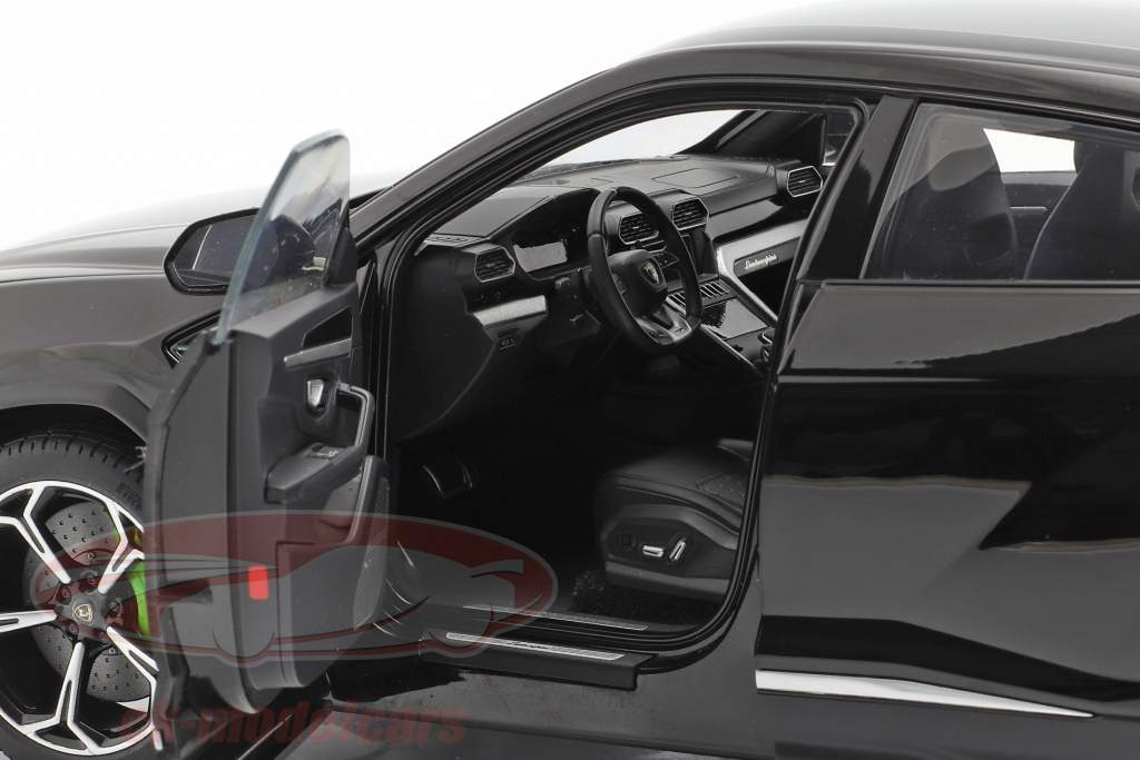 Lamborghini Urus Bouwjaar 2018 zwart 1:18 AUTOart