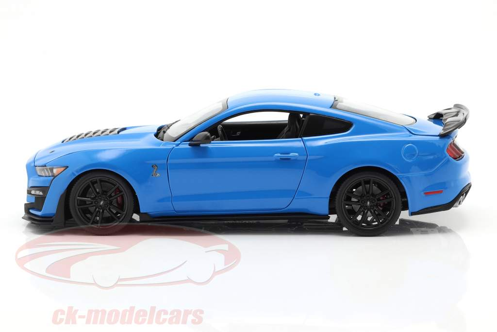 Ford Mustang Shelby GT500 year 2020 blue 1:18 Maisto