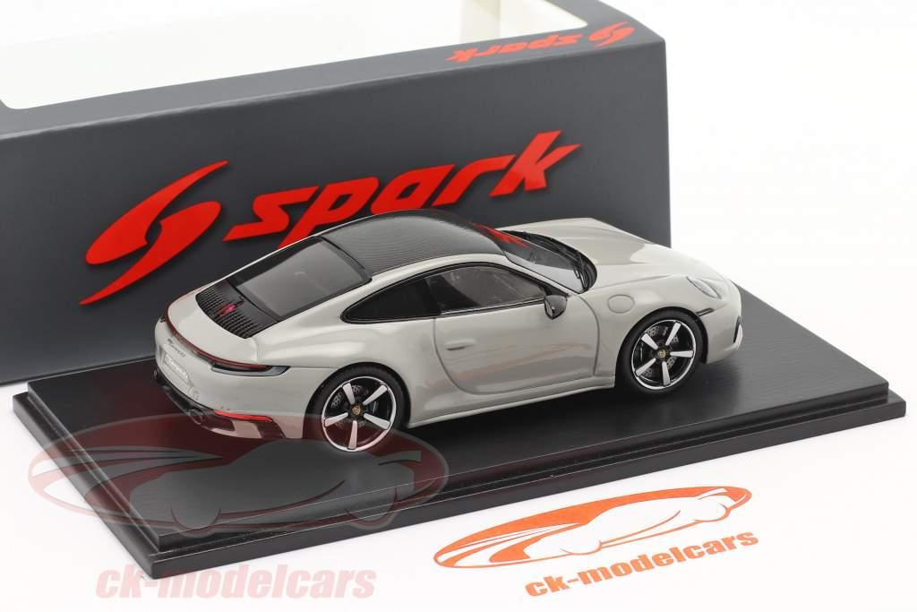Porsche 911 (992) Carrera 4S Byggeår 2019 kridtgrå 1:43 Spark