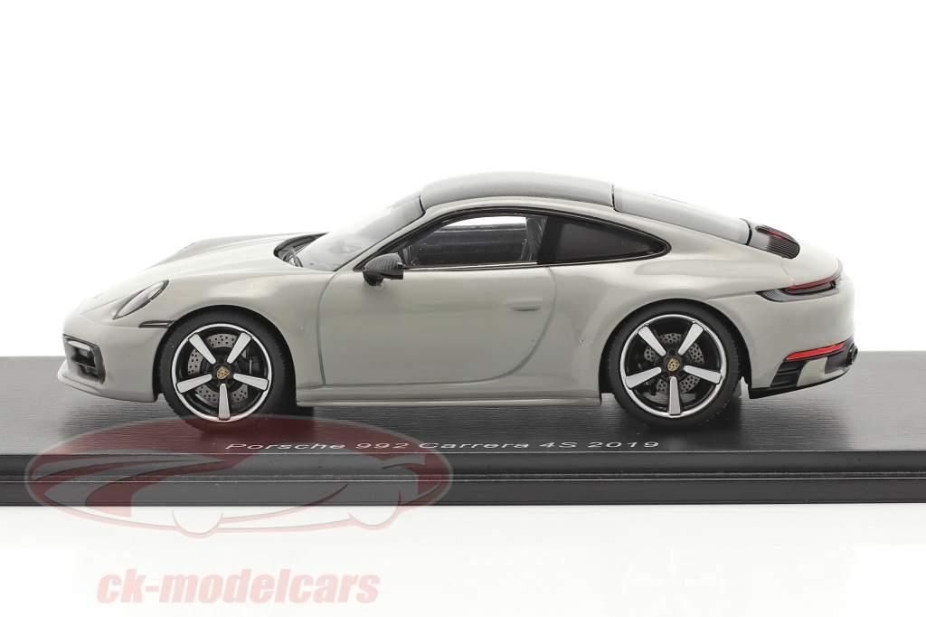 Porsche 911 (992) Carrera 4S Año de construcción 2019 gris tiza 1:43 Spark