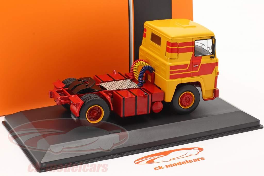 Scania LBT 141 Bouwjaar 1976 geel / rood 1:43 Ixo