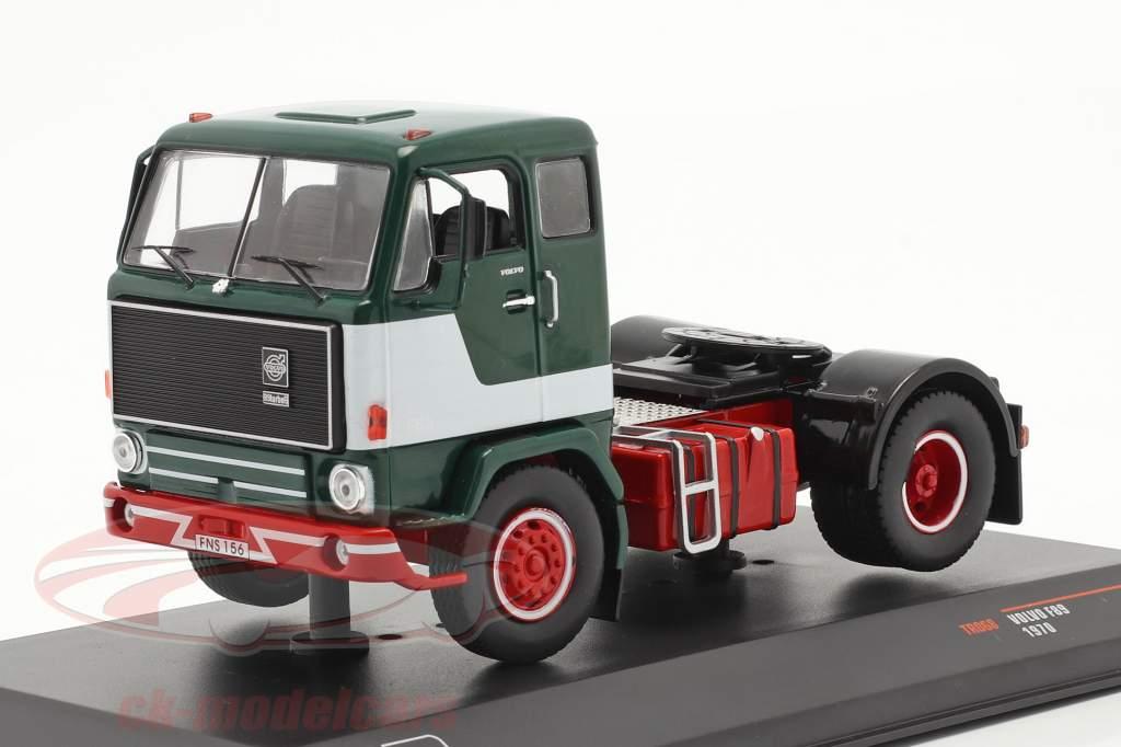 Volvo F89 Ano de construção 1970 verde / Branco 1:43 Ixo