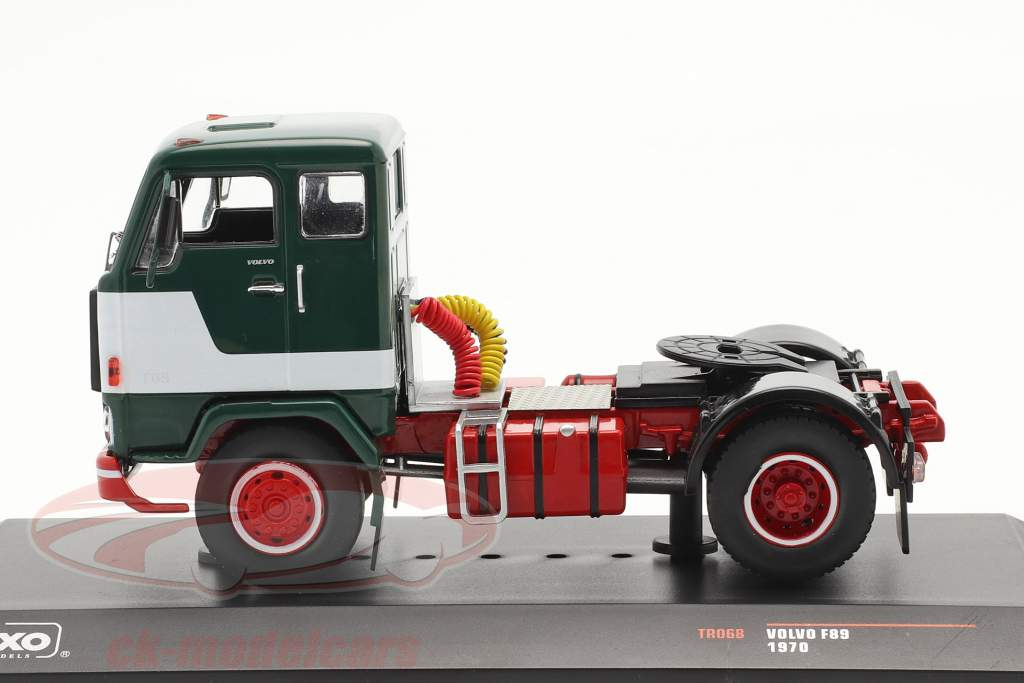Volvo F89 Byggeår 1970 grøn / hvid 1:43 Ixo