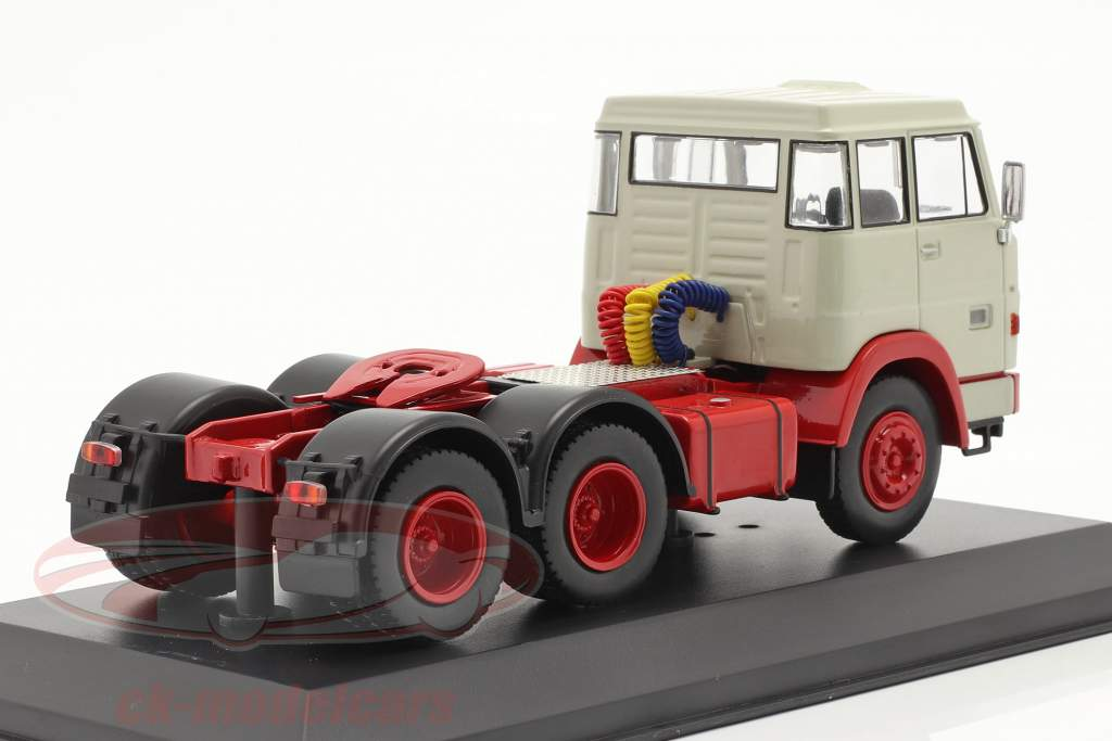 Henschel HS 19 TS year 1966 light grey / red 1:43 Ixo