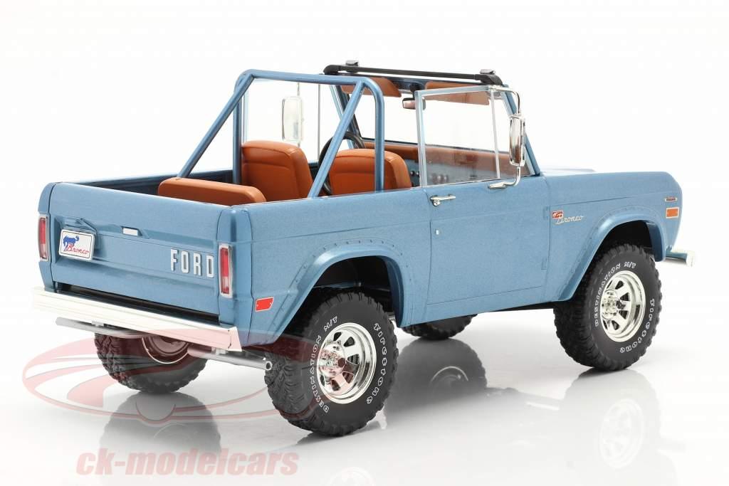 Ford Bronco Sport Année de construction 1969 Bleu clair 1:18 Greenlight