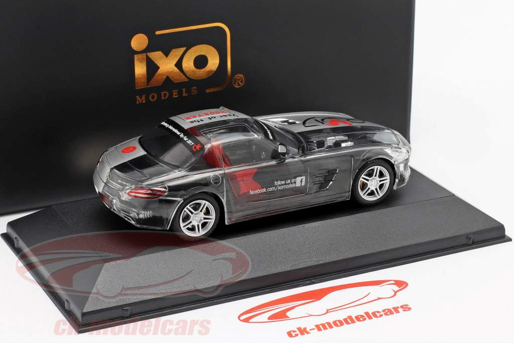 Mercedes-Benz SLS AMG Year of the Rooster ToyFair Nürnberg 2017 silber 1:43 Ixo / 2. Wahl