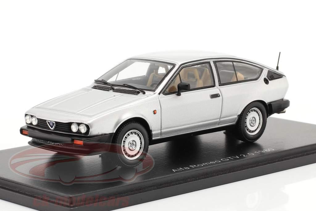 Alfa Romeo GTV 2.0 Byggeår 1980 sølv 1:43 Spark