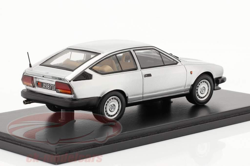 Alfa Romeo GTV 2.0 Ano de construção 1980 prata 1:43 Spark