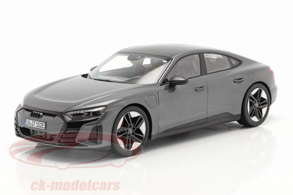 Audi RS e-tron GT Année de construction 2021 Daytona gris 1:18 Norev