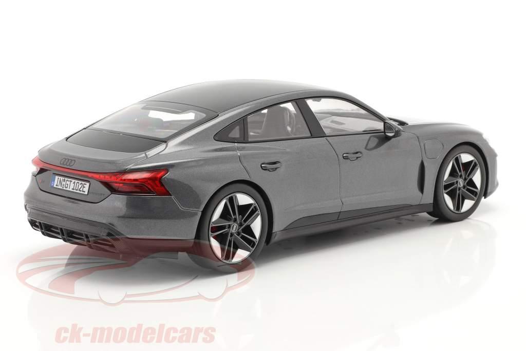 Audi RS e-tron GT Anno di costruzione 2021 Daytona Grigio 1:18 Norev