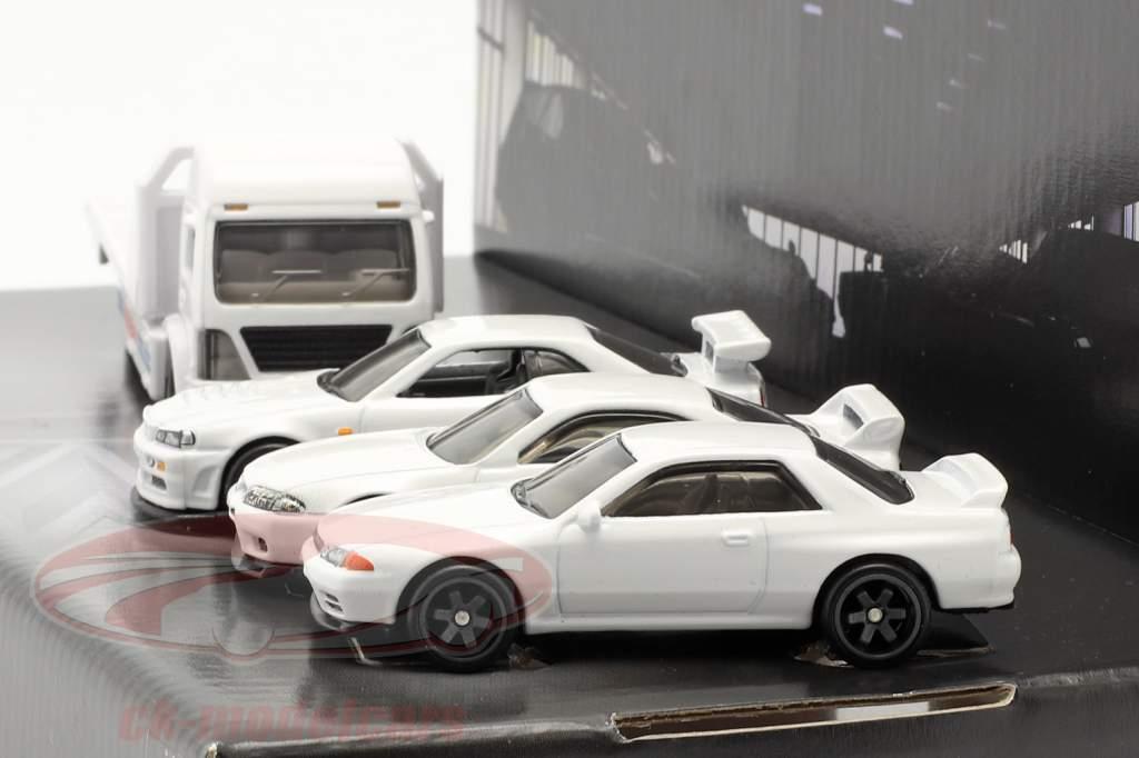 4-Car Set Nissan: Flatbed Caminhão & 3x Nissan Skyline Branco 1:64 HotWheels