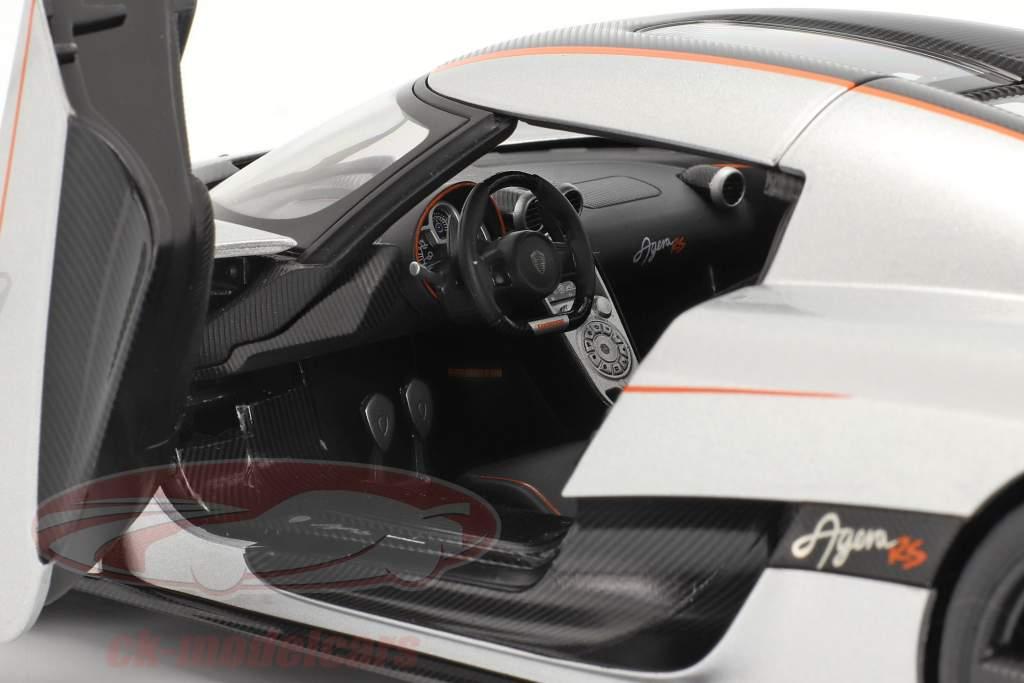 Koenigsegg Agera RS Ano de construção 2015 prata / carbono 1:18 AUTOart