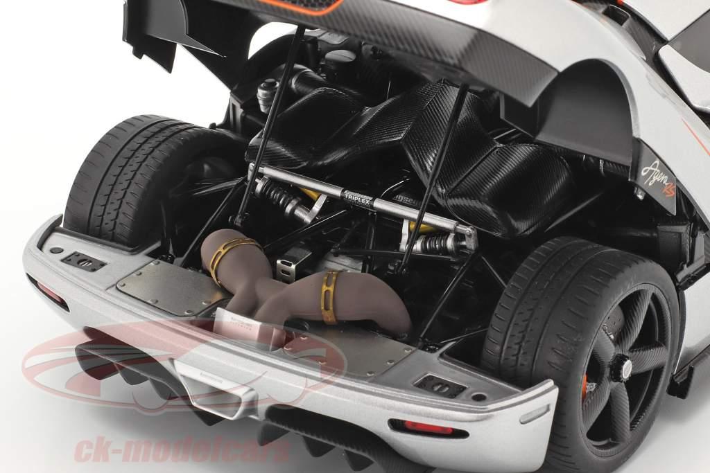 Koenigsegg Agera RS Bouwjaar 2015 zilver / koolstof 1:18 AUTOart