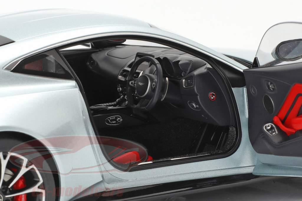Aston Martin Vantage Byggeår 2019 skyfall sølv 1:18 AUTOart