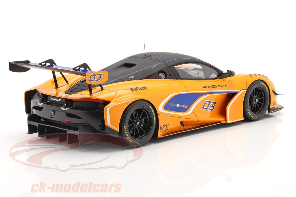 McLaren 720S GT3 2019 #03 oranje / blauw Met Showcase 1:18 Spark