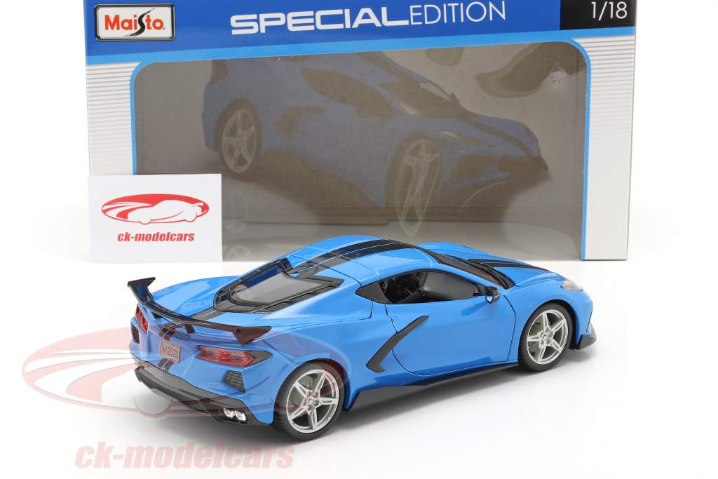 Chevrolet Corvette Stingray Coupe Baujahr 2020 blau / schwarz 1:18 Maisto