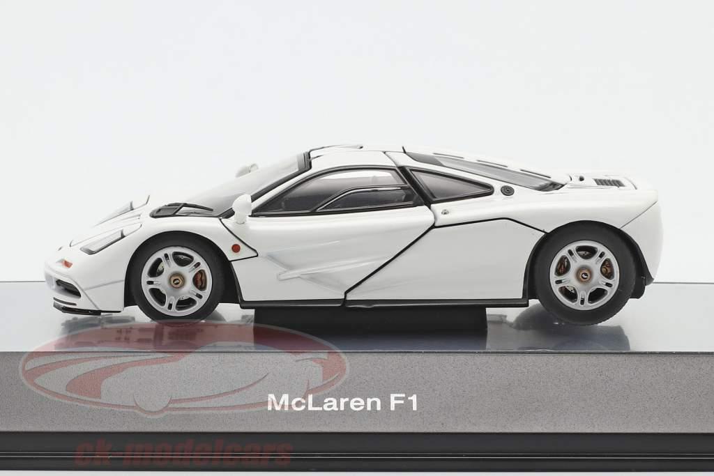 McLaren F1 Road Car 1993-97 bianca 1:43 AUTOart