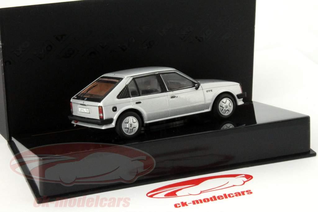 Opel Kadett D GT/E år 1983 sølv 1:43 Ixo / 2. plads valg
