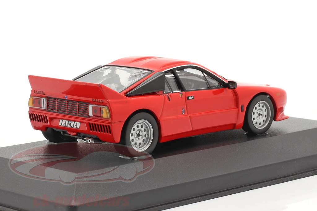 Lancia 037 rally Stradare jaar 1982 rood 1:43 Ixo